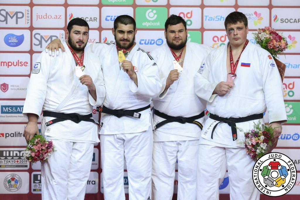 グランドスラム・バクー2019、100kg超級メダリスト。左から2位のルスラン・シャハバゾフ、優勝のゲラ・ザアリシヴィリ、3位のラダト・シミオネスクとアントン・クリヴォボコフ。