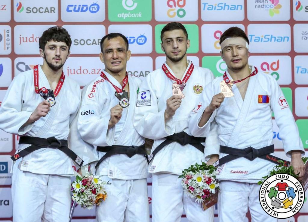 グランドスラム・バクー2019、60kg級メダリスト。左から2位のテムル・ノザゼ、優勝のフェリペ・キタダイ、3位のヤゴ・アブラゼとダシュダヴァー・アマルツヴシン。