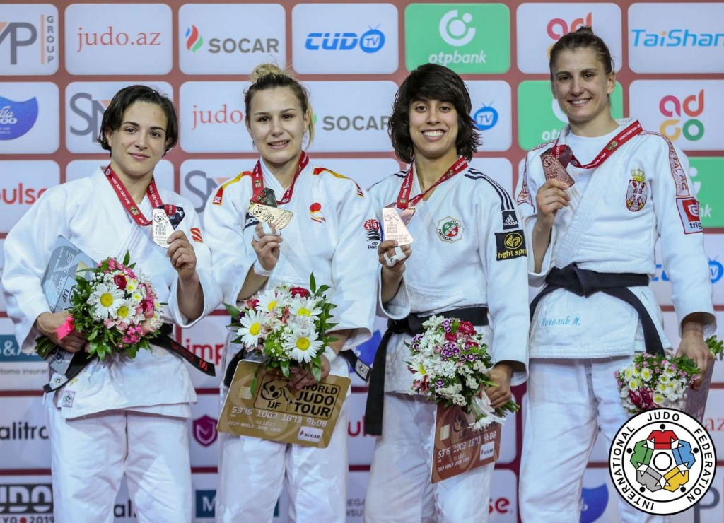グランドスラム・バクー2019、48kg級メダリスト。左から2位のジュリア・フィゲロア、優勝のラウラ・マルティネス=アベレンダ、3位のカタリナ・コスタ、ミリカ・ニコリッチ。