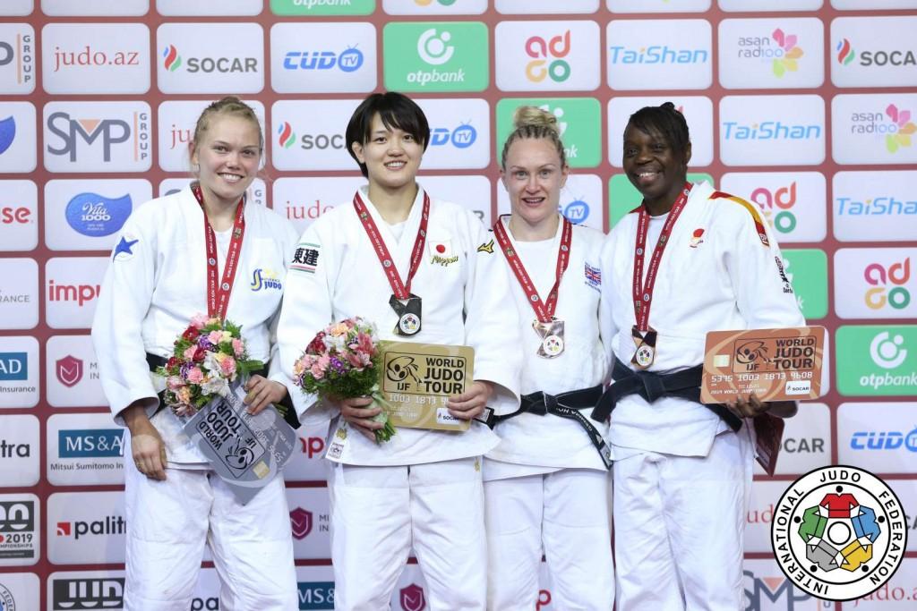 グランドスラム・バクー2019、70kg級メダリスト。左から2位のアンナ・ベルンホルム、優勝の新井千鶴、3位のジェンマ・ハウエル、マリア・ベルナベウ。