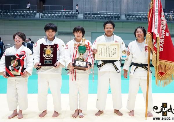 第69回全日本実業柔道団体対抗大会・女子第2部優勝のヤックスA