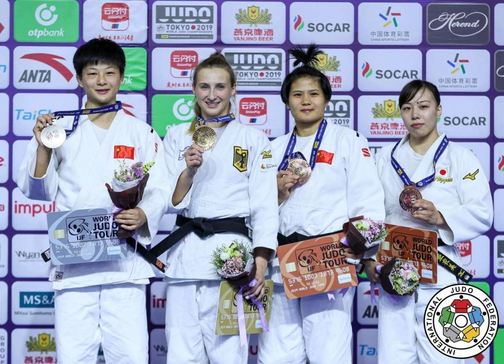 柔道グランプリ・フフホト2019、63kg級メダリスト。左から2位のタン・ジン、優勝のマルティナ・トライドス、3位のヤン・ジュインシアと能智亜衣美。