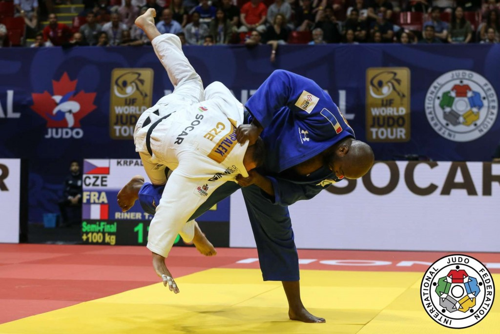 Teddy Riner throws Lukas Krpaek by Harai-goshi and got Waza-ari.