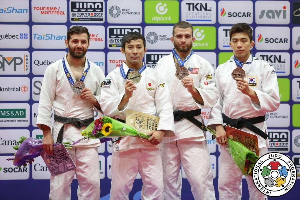 柔道グランプリ・モントリオール男子60kg級メダリスト。左から2位のロベルト・ムシュヴィドバゼ、優勝の髙藤直寿、3位のアドニス・ディアスとイ・ハリム。