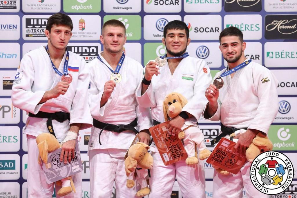 柔道グランプリ・ブダペスト2019、73kg級メダリスト。左から2位のゲオルギー・エルバキエフ、優勝のアキル・ヤコヴァ、3位のヒクマティロフ・ツラエフとテルマン・ヴァリエフ。