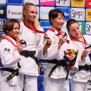 東京世界柔道選手権2019、女子48kg級メダリスト。左から2位の渡名喜風南、優勝のダリア・ビロディド、3位のムンフバット・ウランツェツェグとディストリア・クラスニキ。