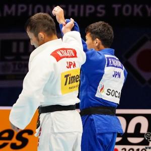 東京世界柔道選手権男子60kg級3位決定戦逆転勝ちの後輩・永山を髙藤が讃える
