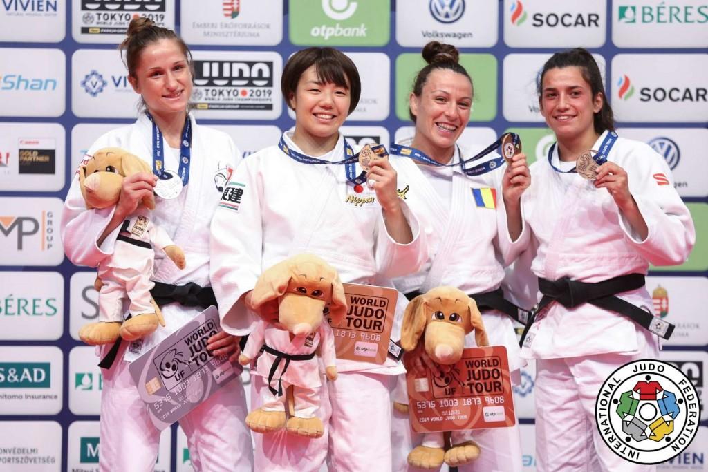 柔道グランプリ・ブダペスト2019、52kg級メダリスト。左から2位のファビアン・コッヒャー、優勝の前田千島、3位のアンドレア・キトゥとアナ・ペレス=ボックス。