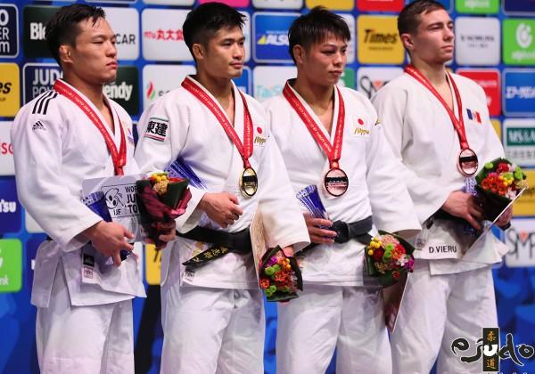 東京世界柔道選手権2019男子66kg級メダリスト。左から2位のキム・リマン、優勝の丸山城志郎、第3位の阿部一二三とデニス・ヴィエル