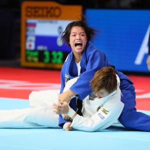 東京世界柔道選手権2019女子52kg級決勝、阿部詩がナタリア・クズティナから袖釣込腰「一本」