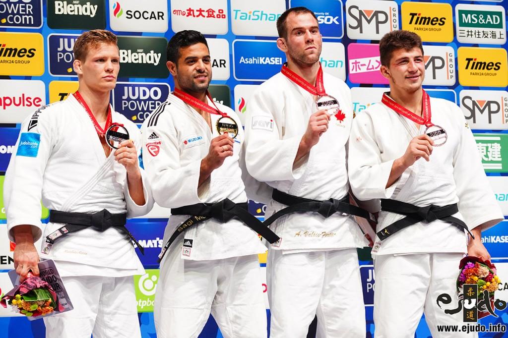 81kg級メダリスト。左から2位のマティアス・カッス、優勝のサギ・ムキ、3位のアントワーヌ・ヴァロア=フォルティエ、ルカ・マイスラゼ。