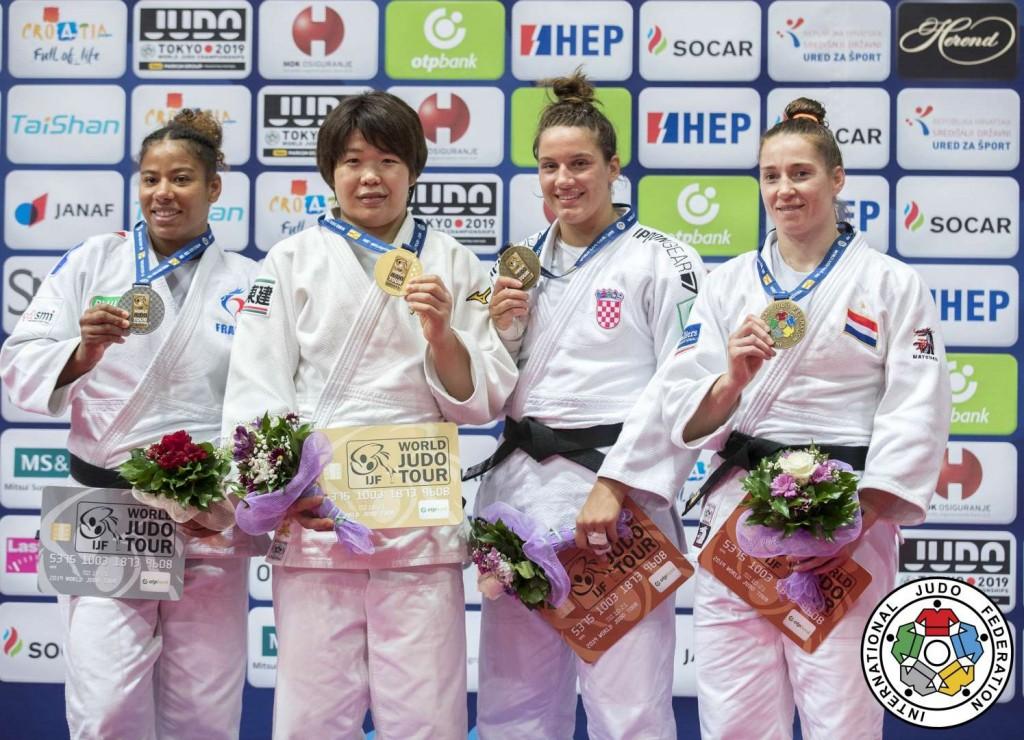 柔道グランプリ・ザグレブ2019、78kg級メダリスト。左から2位のファニー=エステル・ポスヴィト、優勝の梅木真美、3位のカーラ・プロダンとマルヒンデ・フェルケルク。