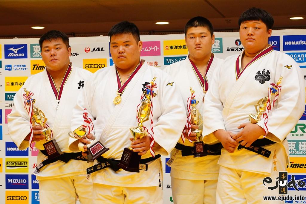 左から石川智啓、松村颯祐、中村雄太、千野根有我