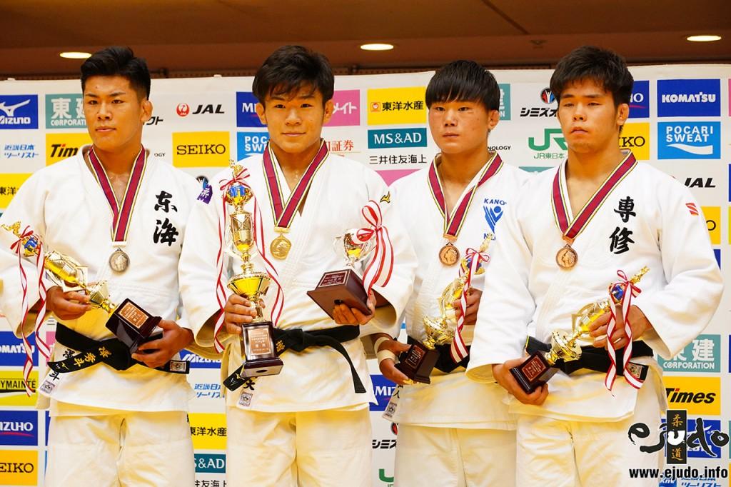 左から瀧澤秀斗、増山香補、吉野弘人、林虹希