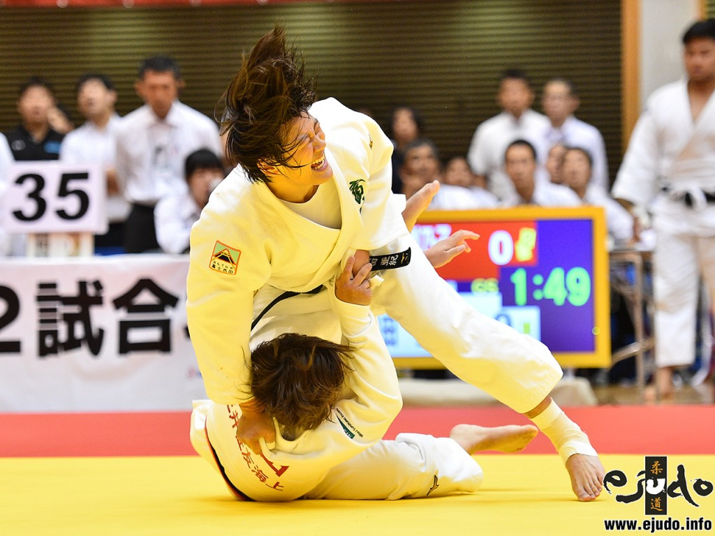 At -78kg final, KURODA aki threw former world junior champion WADA Rinoko with Uchi-mata.