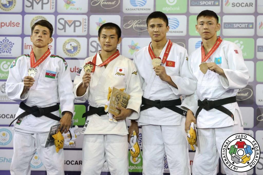 60kg級メダリスト。左から2人目が優勝の辻岡慶次。