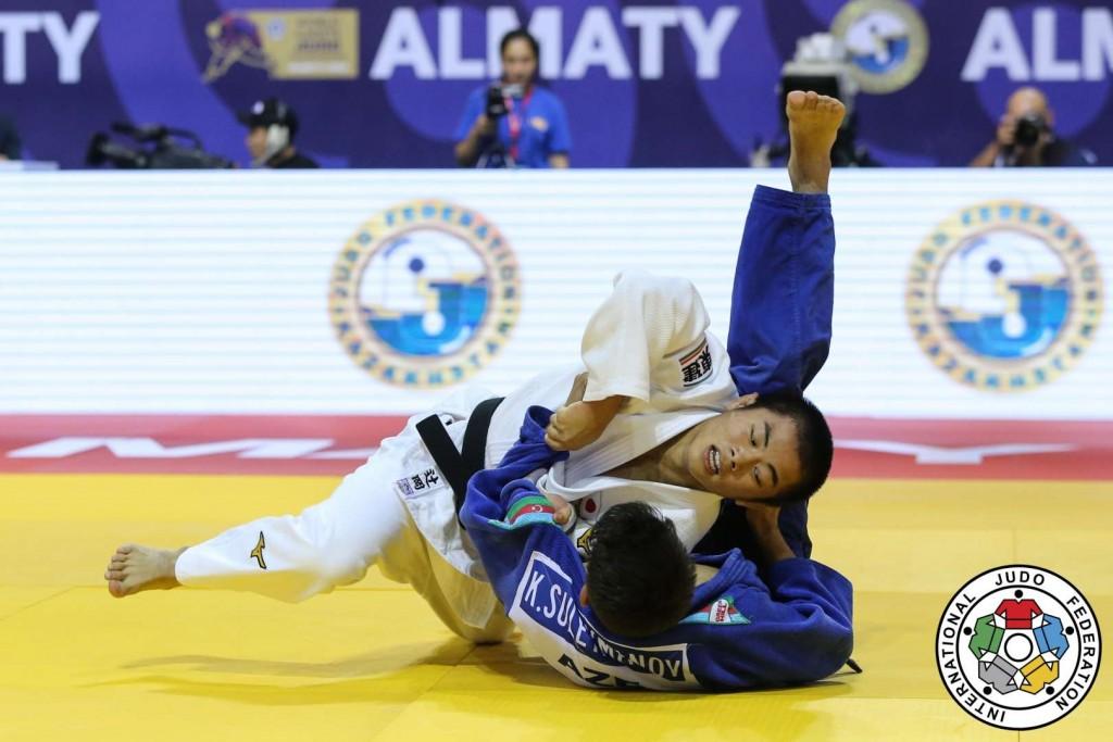 60kg級決勝、辻岡慶次がカルマン・スレイマノフから背負投「技有」