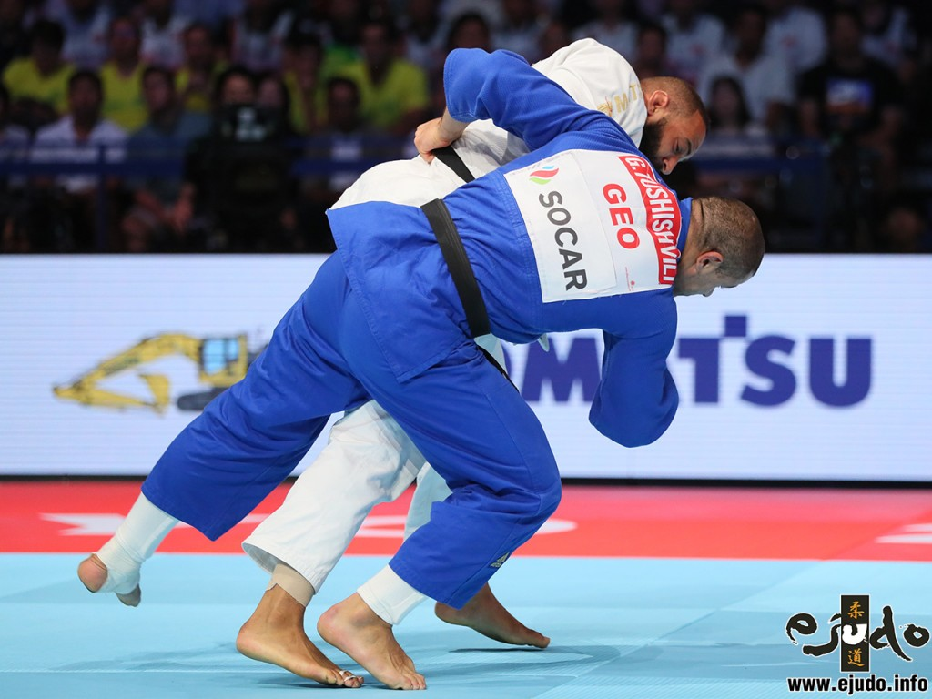 At Bronze match, Roy Meyer therw , Guram TUSHISHVILI and got Waza-ari with Tai-otoshi.