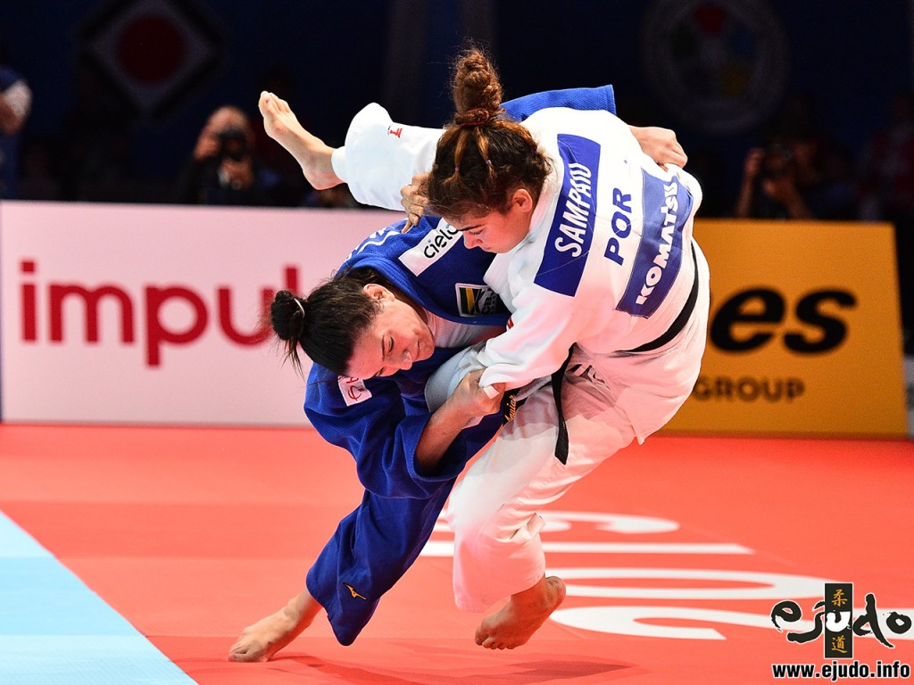 マイラ・アギアール。Mayra Aguiar defeats Patricia Sampaio by well prepared Uchi-mata.