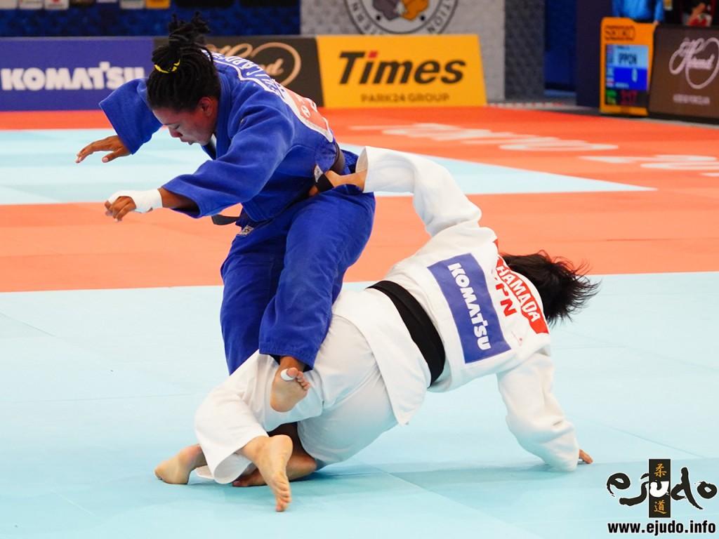 2回戦、濵田尚里が強引な谷落でリリアナ・カルデナスから「技有」