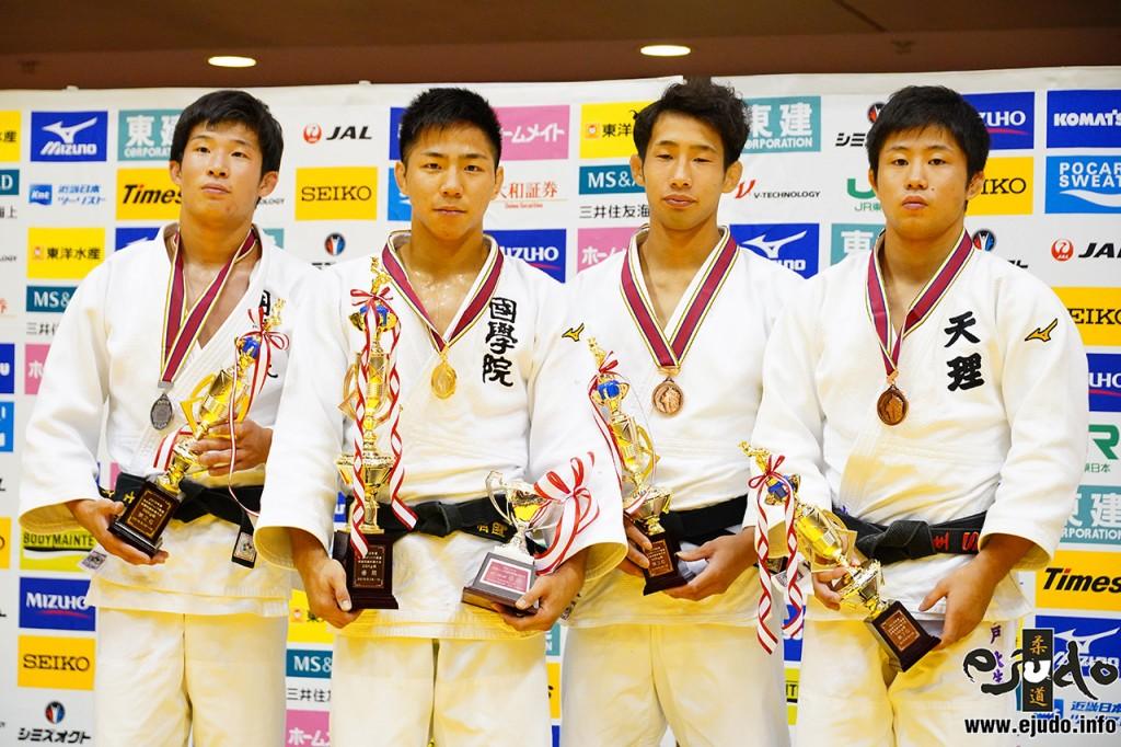 左から新井雄士、武岡毅、桂嵐斗、水戸大生