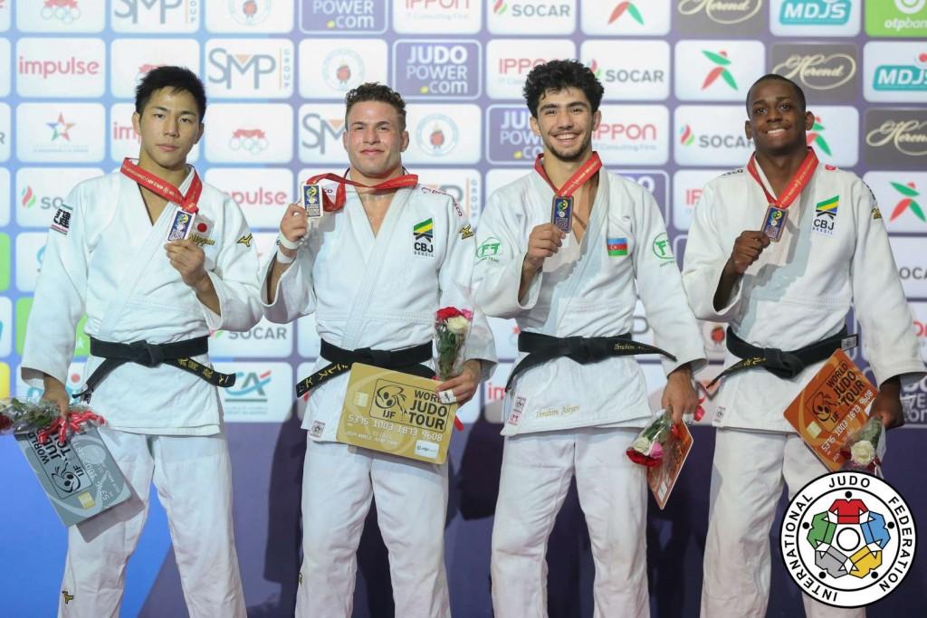 66kg級メダリスト。左から2位の武岡毅、優勝のウィリアン・リマ。