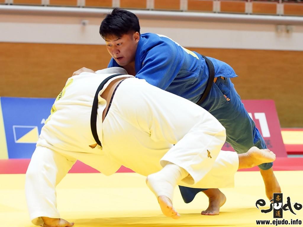 100kg超級決勝、木元拓人が中野寛太から小外刈「一本」