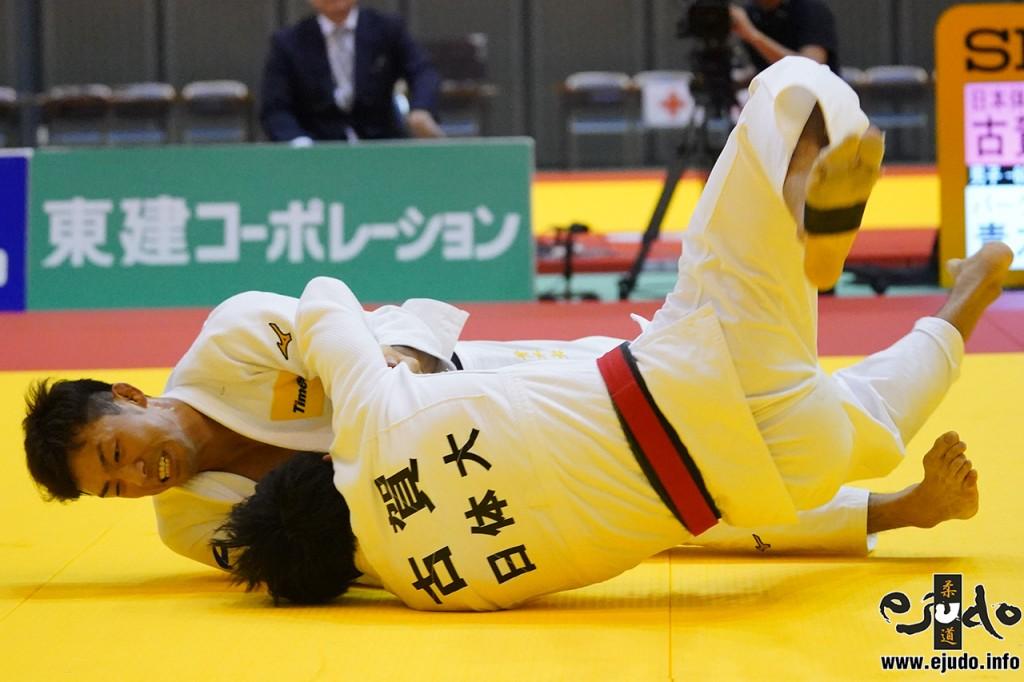 60kg級決勝、青木大が古賀玄暉から浮技「一本」