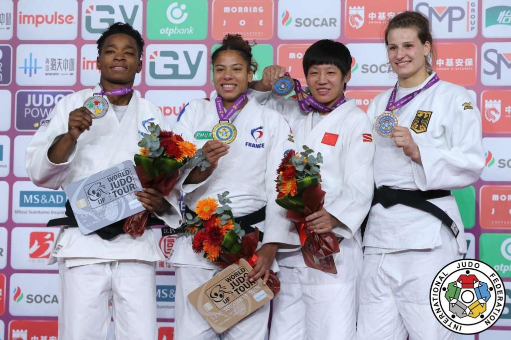 78kg級メダリスト。左から2位のオドレイ・チュメオ、優勝のファニー=エステル・ポスヴィト、3位のチェン・フェイとアナ=マリア・ヴァグナー。