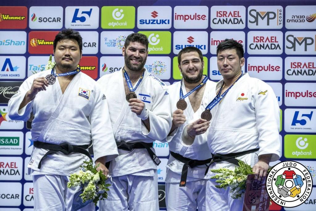 100kg超級メダリスト。左から2位のキム・スンミン、優勝のオール・サッソン、3位のヤキフ・ハモーと熊代佑輔。
