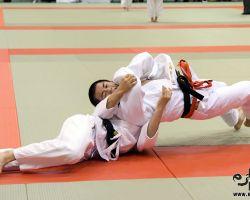 60kg級1回戦、辻岡慶次(大成高2年)が工藤泰輝(修徳高1年から肩車「技有」